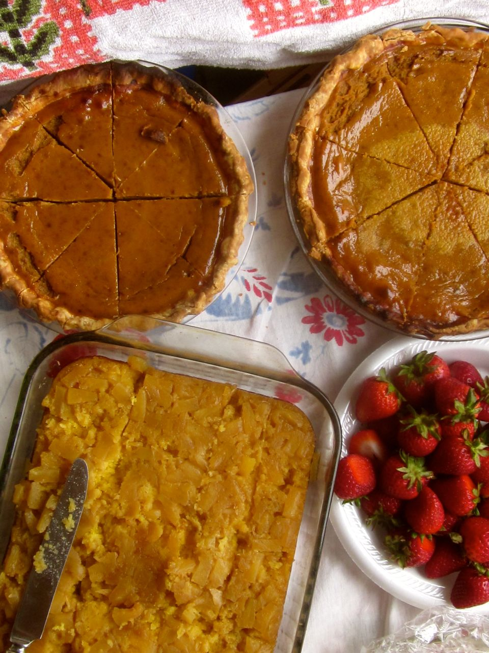 Round-up: Pie, Blogging, Literary Heroines, and the Holidays!